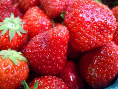 Be My Strawberry by jagyularr