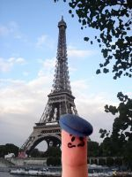 Finger in Paris by morgoth22