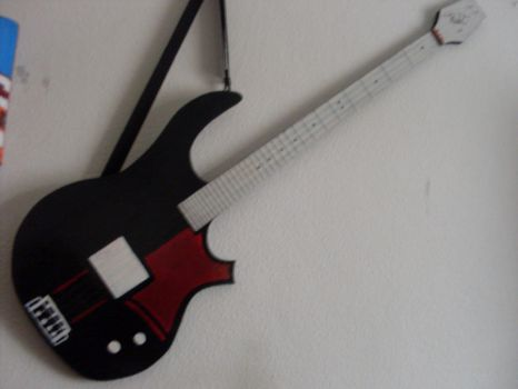 My Wood Bass Painted by rodrithehedgehog