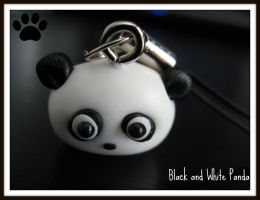 Black and White Panda by cupcakecutiefriends