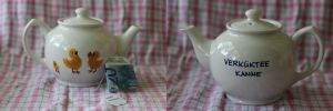 Chicken teapot by Gorgone