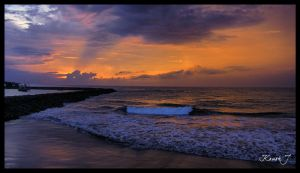 The last wave before sunset. by kaush