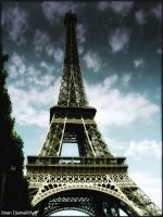 Eiffel Tower by caliiope