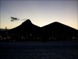Cape Town at sunset by MadleneP
