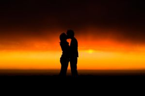 Kiss in the sunset by Nystuen