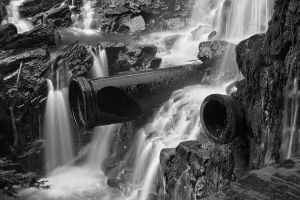 Dam Cannon Falls - Black and White by somadjinn