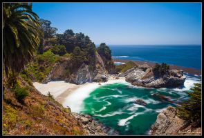 McWay Falls by AndrewShoemaker