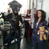 Alien Queen vs Ripley by Beaupeep101