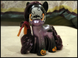 Halloween Night custom g4 by EllisArts