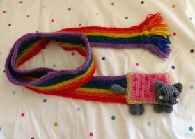 Nyan Cat Scarf by theCuddlyCephalopod