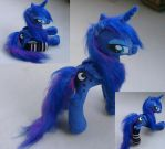 Wet mane poseable Luna  w socks by Epicrainbowcrafts