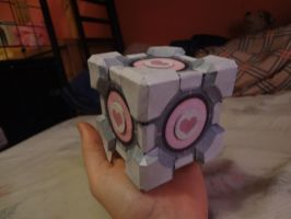 companion cube papercraft by feeglefan13