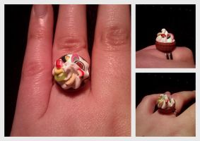 Whipped cream fruit ring by Sandien