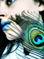 Feather and Blue Lips by Mosterdmuisje
