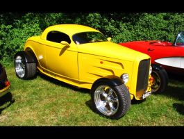 yellow rod by AmericanMuscle