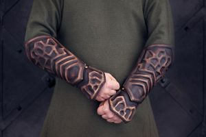 Thorin Oakenshield arm bracers by vofffka
