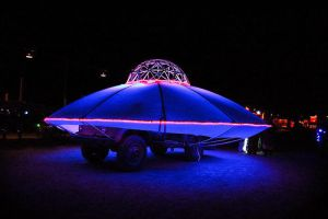 UFO Art Car by zhe-universe