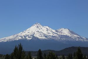 Mount Shasta by A-U-R