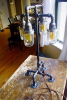 Industrial table lamp: Illuminata by blindphineas