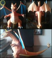 Charizard Papercraft by AeDisMon