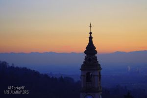 Chiesa tra le montagne by alahay