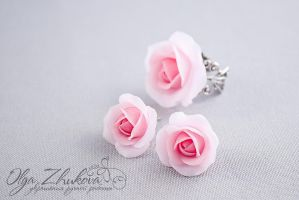 Roses from polymer clay by polyflowers