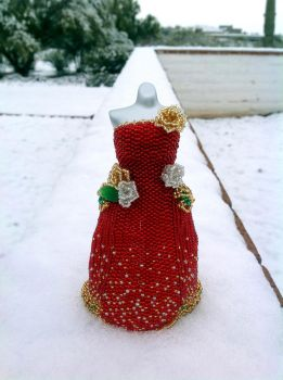Merry Christmas BeadDress... in SNOW! by pinkythepink