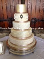 fancy decorative cake by zoesfancycakes