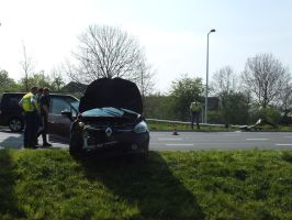 car hits lamppost by damenster