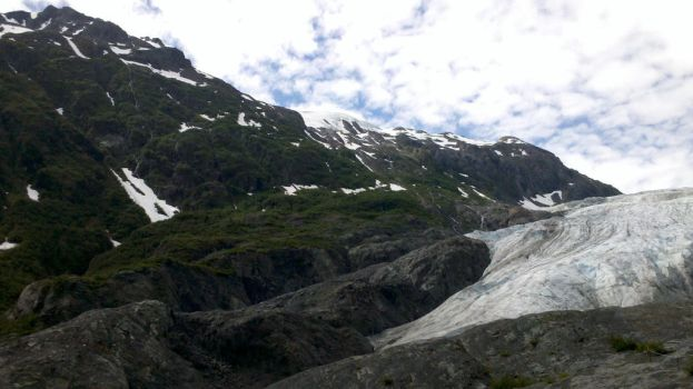 Midway to Exit Glacier by robinlstrauss