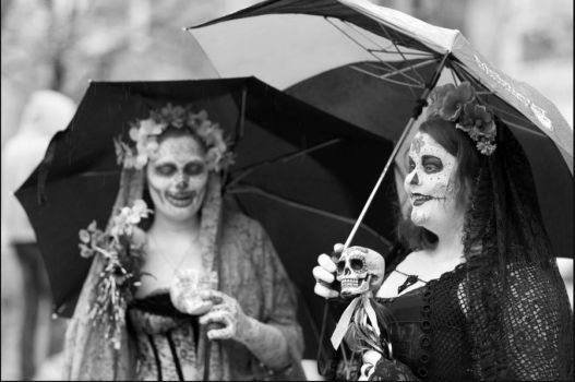Black-and-White Muertas by Twiganut