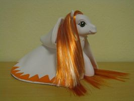 FF1 White Mage Custom Pony by stormfaerie