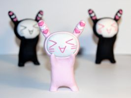 Nyappy figure by vrlovecats