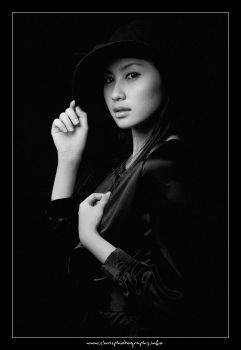 Lady in Black II by christophertan
