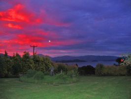 Sunset over Loch Lomond by piglet365