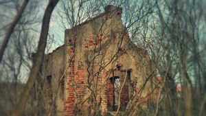 The ruins of the cemetery chapel by CleverSparkle