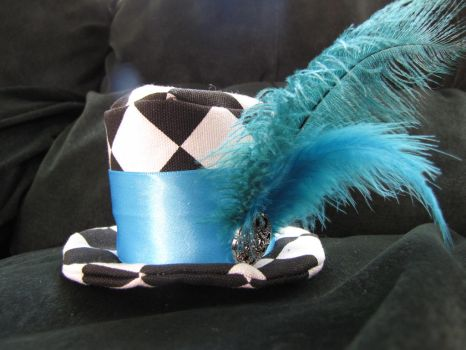 Mini Top Hat: Turquoise by Pyro-Jellyfish