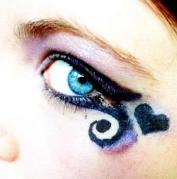 makeup art - my eye XD by MissMiggins