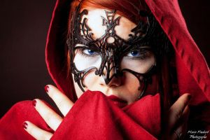 Little Red Ridding Hood by ArtisansdAzure