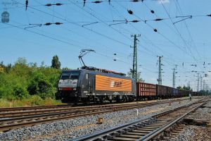 ES64F4-150 with a freight train in Hegyeshalom by morpheus880223