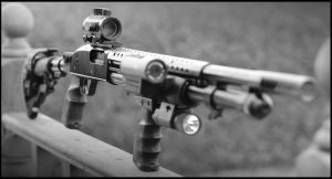 Mossberg 590 Pimped by SWAT-Strachan