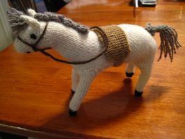 Knitted Horse by sentienttree