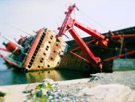 Shipwreck tilt shift by KezART