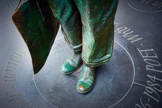Shoes of the traveller by daliscar