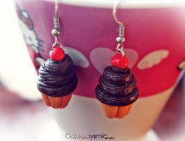 Chocolate Cupcake Earrings by Cateaclysmic