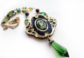 Absinthe Necklace by asunder