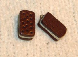 Ice Cream Sandwiches beads by KRSdeviations