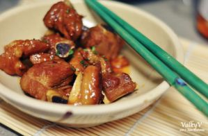 Chinese sweet and sour rib tips by ValkyV