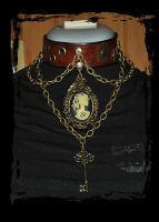 steampunk leather necklace by Lagueuse