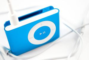 iPod shuffle, blue by Taquss